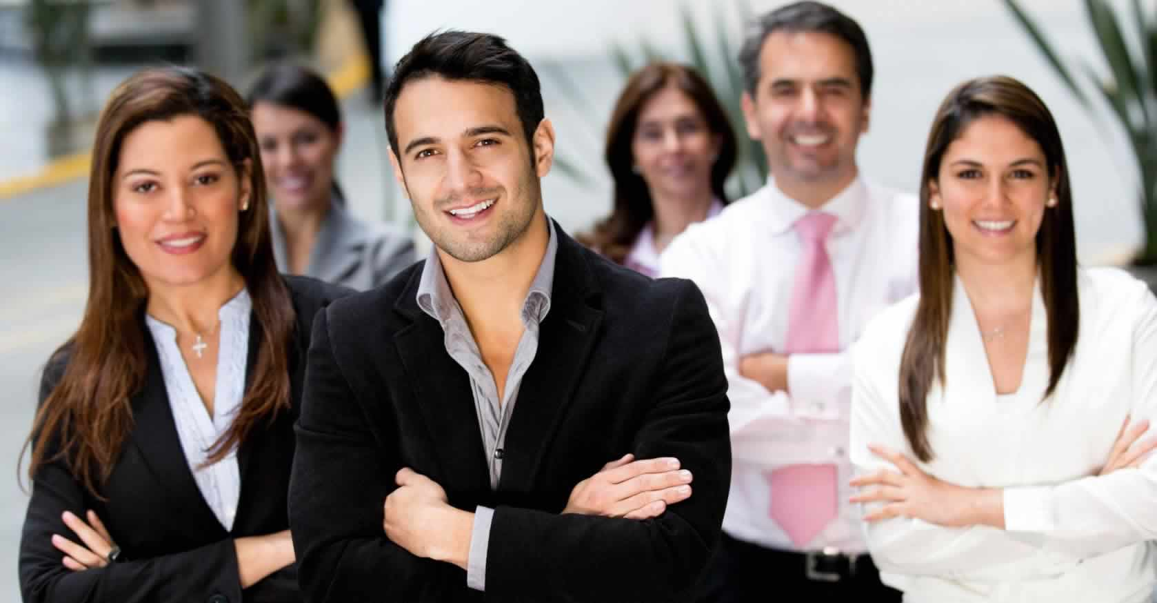 business people in large office  Copyright: <a href='http://www.123rf.com/profile_andresr'>andresr / 123RF Stock Photo</a>